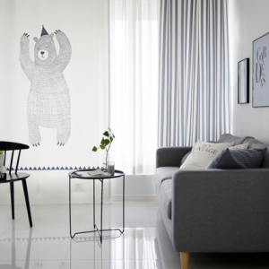 bear-curtain